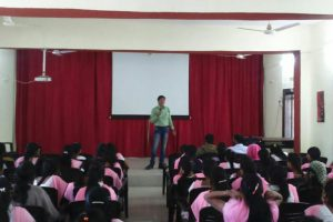 Seminar-by-MCCE-for-college-students-min