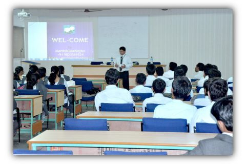 Seminar-for-college-students-min